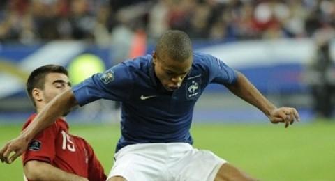 فرنسا تفوز وتطلب مواجهة نارية... واليونان تقترب وهولندا تفوز