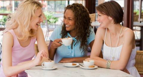 حيل ذكية تنقذك من المواقف المحرجة أثناء الدورة الشهرية