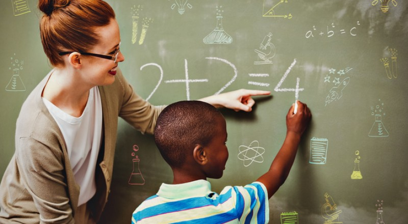 اليوم العالمي للمعلم: نصائح ذهبية لتكوني أفضل قدوة للجيل الجديد