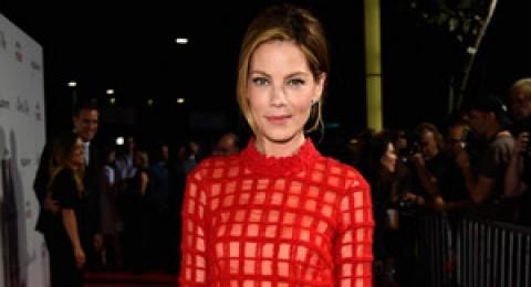 فستان السهرة الأحمر يزيدك إثارة ورومانسية