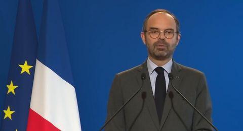 فرنسا تعلّق الضرائب على الوقود وتجمّد أسعار الغاز والكهرباء لوقف الاحتجاجات