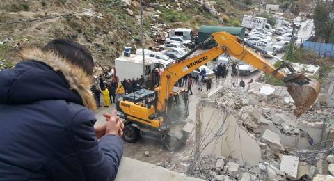 بلدية القدس ترغم مواطنا مقدسيا على هدم منزله