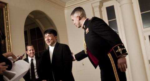 جاكي شان يدخل عالم السياسة بشكل رسمي