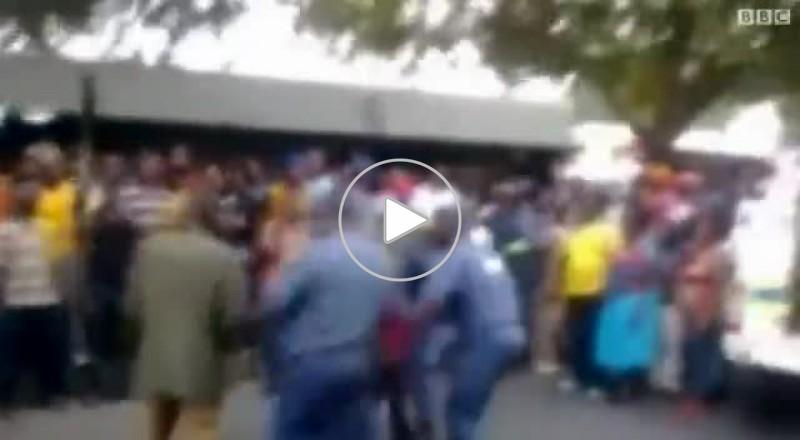 القبض على عناصر شرطة بجنوب أفريقيا بعد سحل شاب خلف شاحنة
