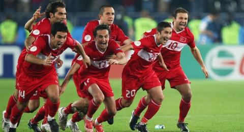 هل سيكون منتخب تركيا الحصان الأسود في يورو 2016؟