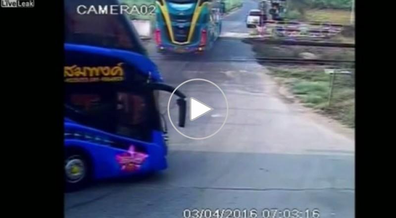 حادث فريد من نوعه في تايلاند بسبب اهمال سائق