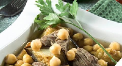 طبق اليوم: منزلة الباذنجان والحمص من مطبخ منال العالم