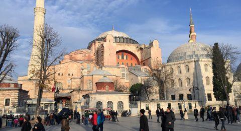 9 آلاف مسجد بتركيا تفتح أبوابها للمعتكفين