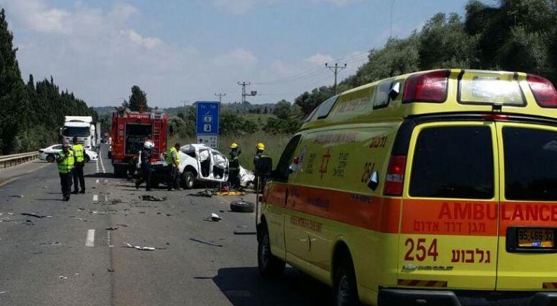 مصرع سائق بحادث بين شاحنة و