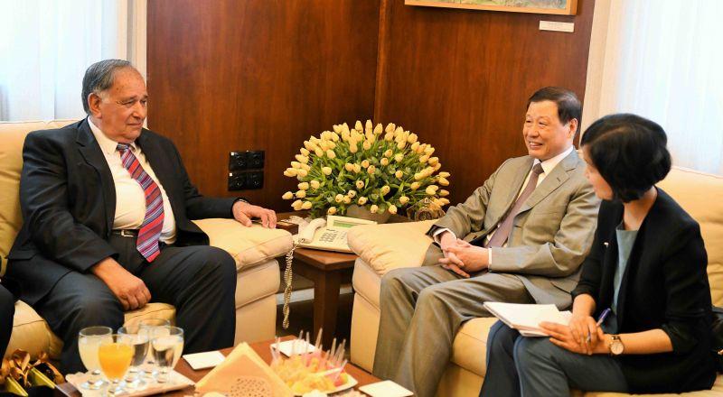رئيس بلدية شانغهاي في الصين يزور حيفا