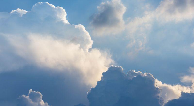 أحوال الطقس: انخفاض طفيف ودرجات الحرارة تبقى أعلى من معدلها