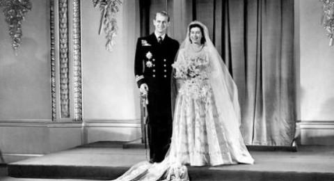 فساتين زفاف ملكات و اميرات العالم