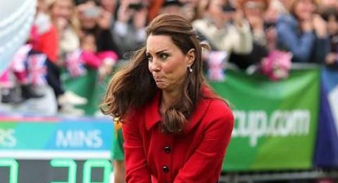 13 لقطة مضحكة للعائلة البريطانية المالكة
