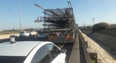 ضبط سائق سيارة شحن من الناصرة ومعه حمولة زائدة