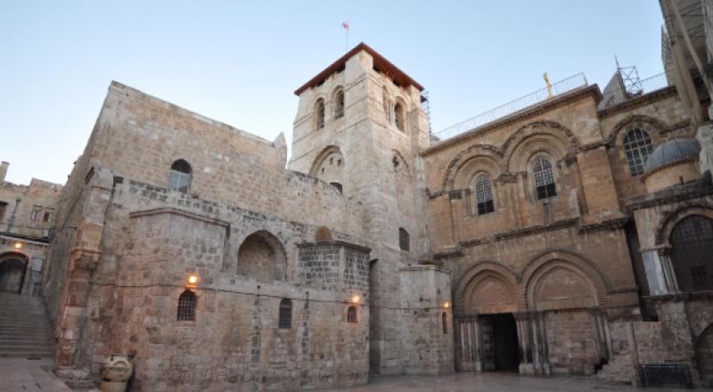 لماذا تصمت القوى السياسية والمتابعة عن بيع الأملاك الفلسطينية على يد البطريركية الأرثوذكسية؟!