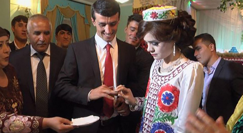 في هذه الدولة العروس ممنوعة من التبسم