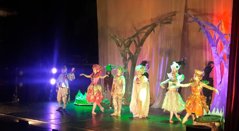 ضمن السلة الثقافية في بلدية شفاعمرو: أكثر من ألف طفل شفاعمري يشاهدون مسرحية