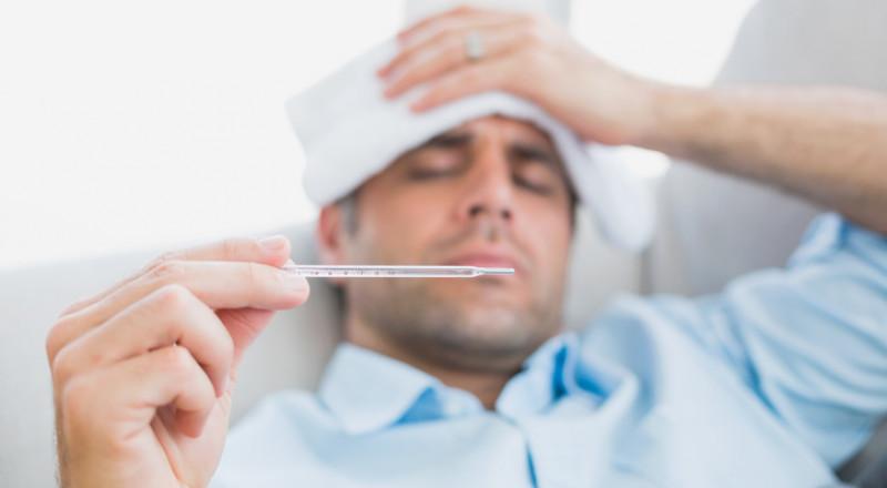 لماذا يعاني زوجك كثيرًا لدى اصابته بالرشح؟