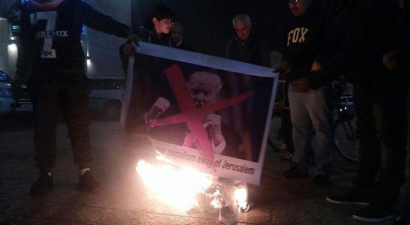 احتجاجات وإحراق صور ترامب في بيت لحم ومدن الضفة