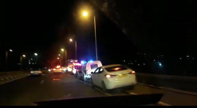 إصابة شخص اثر رشق حافلة بالحجارة قرب شرطة وادي عارة