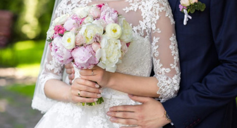 مليونيرة سعودية تطلب عريس على الهواء… وتقبل ان تكون زوجة ثانية!