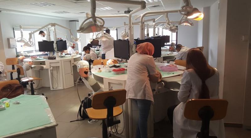 سابقة: 100% من الأطباء الذين شاركوا بدورة جمعية أطباء الأسنان العرب نجحوا بالامتحان الحكومي!