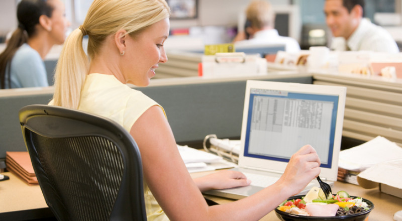 طريقة سهلة لإنقاص الوزن في مكان العمل