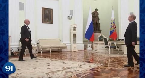 بوتين يستعرض مهاراته الكروية قبل 100 يوم من المونديال