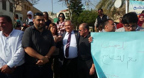 الناصرة: وقفة منددة بالعنف بمشاركة طلاب المدارس وإدارة البلدية