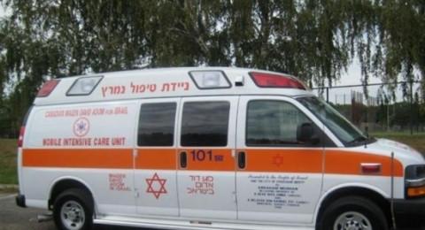 إصابة عامل سقط في كفر ياسف .. وإصابة آخر جراء