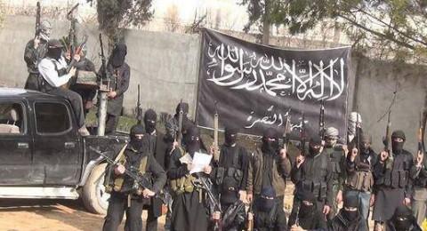 الجيش السوري يتقدم بالغوطة ويقسمها لنصفين، ويوفر ممرًا انسانيًا للمدنيين