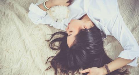 لماذا نشعر بالتعب رغم حصولنا على نوم جيد؟