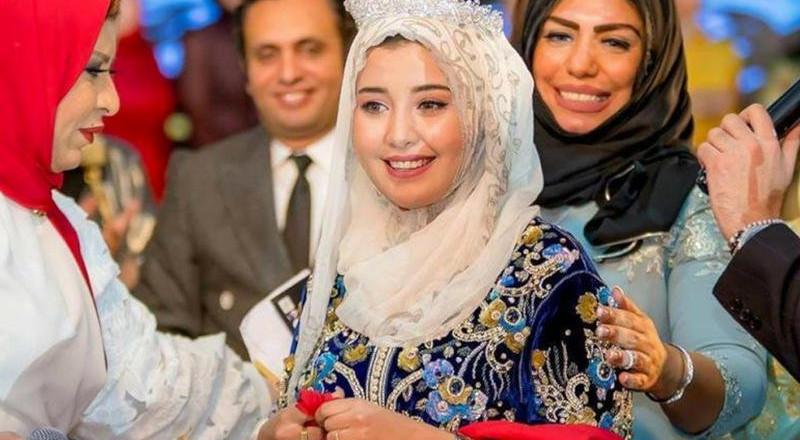 مهندسة مغربية تفوز بلقب ملكة جمال محجبات العرب