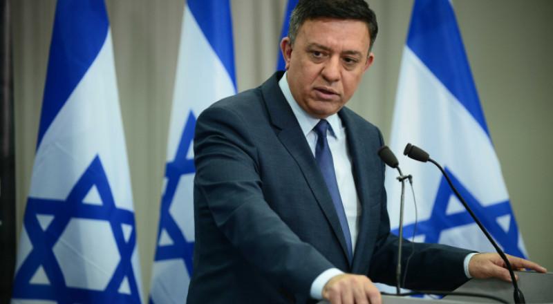 غاباي: يجب وقف البناء في المستوطنات والانفصال عن الفلسطينيين
