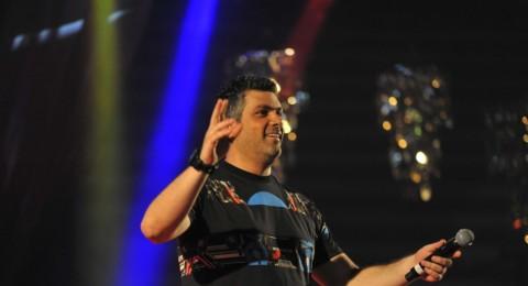 فارس كرم يغني لـِ8000 شخص في تونس!
