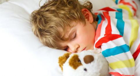 كيف تنظّمين نوم طفلك خلال شهر رمضان؟