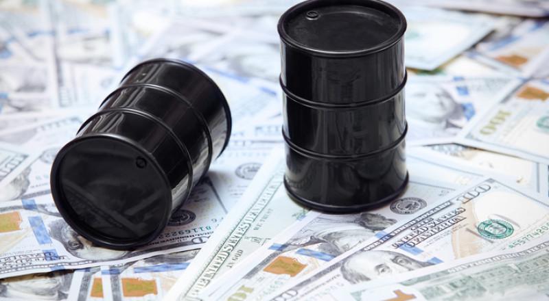 النفط يواصل الهبوط