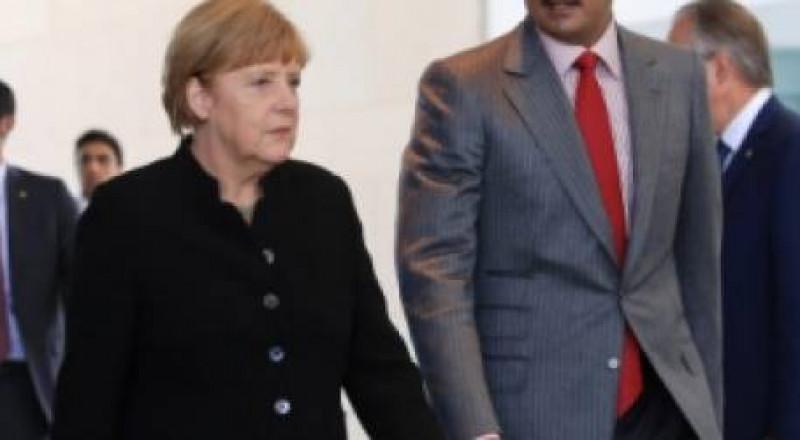 ميركل : على تركيا والدول الخليجية وايران ايجاد حل للازمة مع قطر