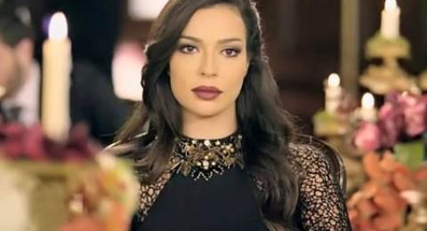 تعرّفوا على شبيهة نادين نسيب نجيم