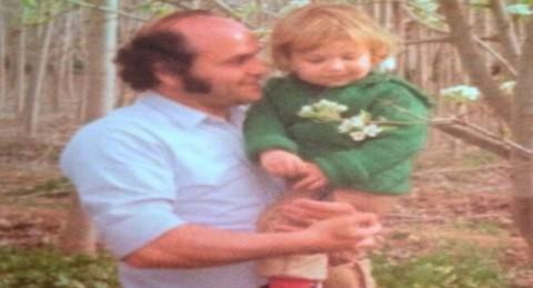 هذا الطفل أصبح نجماً عربياً بين يدي والده