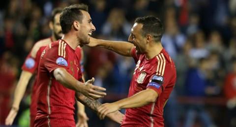 إسبانيا تتأهل رسميا ليورو 2016 وصراع الوصافة يشتعل بين سلوفاكيا وأوكرانيا