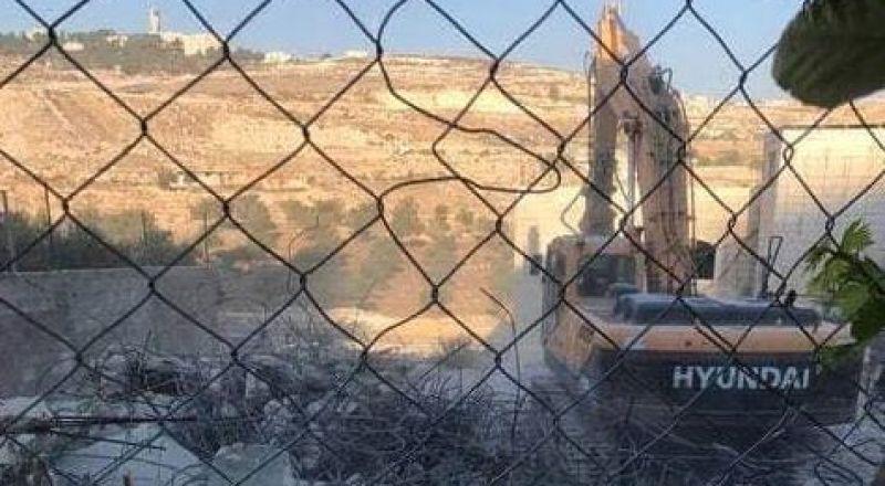 القدس: هدم 3 منشأت في قرية