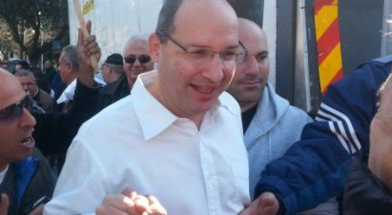 الإعلان عن الغاء الإضراب يوم غد بعد التوصل لاتفاقات