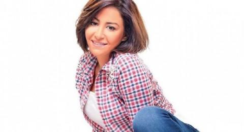 منة شلبي تصدم الجمهور بلون شعرها الجديد