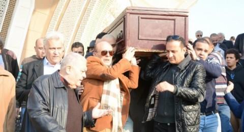 محمد صبحي يودع زوجته بالدموع والنجوم يساندونه