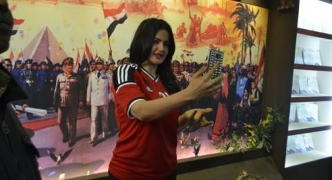 سما المصري تسبب فوضى في معرض الكتاب!