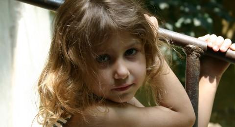 بخاخ الشعر قد يسبب تشوهات عند الأطفال