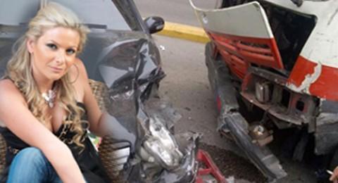 باميلا الكيك تتعرض لحادث سير كبير .. وتنقل الى المستشفى