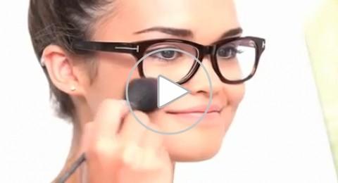 كيف يكون مكياجك مع نظارة النظر؟