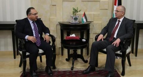 عباس والحمد الله يدينان استهداف عناصر المخابرات الأردنية في مخيم البقة وسط توتر العلاقات
